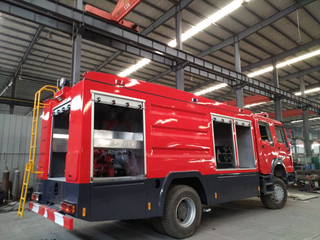 Howo Dry Powder Combination Rescue Fire Truck 4X4 3000L Water 1000Liters Foam 500L Dry Powder